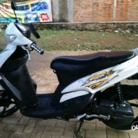 Striping Stiker Mio Sporty 2010 Putih-Gold List strip pawgku 7551yx