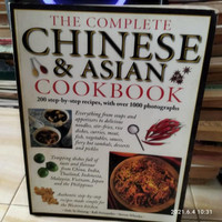 THE COMPLETE CHINESE AND ASIAN COOKBOOK 256 HALAMAN CCP