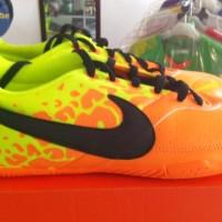 sepatu futsal nike elastico orange-black