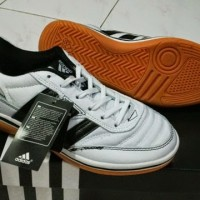 Sepatu Futsal - Adidas Sala Putih - Hitam Made in Italy