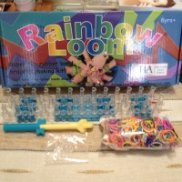 Rainbow Loom Original , Loomband board ada emboss dijamin 100% aman...