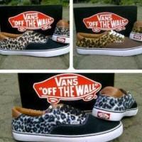 Sepatu Vans Era Leopard