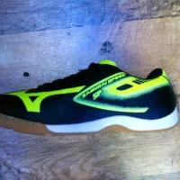 Okega - Sepatu Futsal Mizuno Samurai Speed