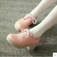 sepatu docmart glossy baby pink