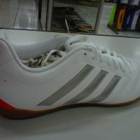 Sepatu Futsal Adidas Goletto V IN White