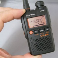 HT (HANDY TALKY) Baofeng UV-3R Dual Band VHF - UHF   Grosir Giri Manik