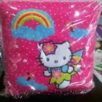 bantal persegi hello kitty rainbow