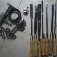 Komponen Mesin Bubut Kayu Lengkap dengan Pisau Pahat Bubutnya