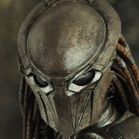 Hot Toys Predator Falconer