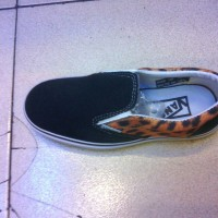 Sepatu Anak Vans Slip On Leopard