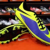 Sepatu Bola Nike Hypervenom Phade Ungu Volt