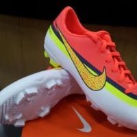 Sepatu Bola Anak Nike Mercurial Victory IV CR White Volt Crimson
