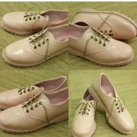 Sepatu Docmart Wanita Pink Glossy