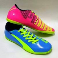 Sepatu Puma Futsal EvoSpeed Biru Pink