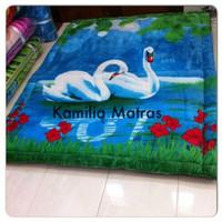 karpet busa murah tebal 6 cm bahan lembut sutra karakter Bangau Kendra