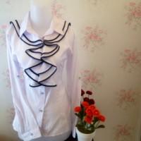 kemeja blus wanita putih renda