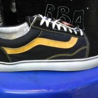 sepatu vans oldscool murah warna hitam lis kuning + box