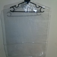 Plastik gantungan Baju Distro tebal (pakaian, kemeja, kaos, jas, kaus)
