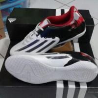 Sepatu futsal adidas messi F5