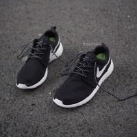 Sepatu nike roshe run black white volt hitam putih hijau