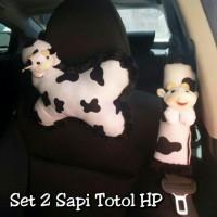 Set Bantal Mobil 2 in 1 SAPI Totol Hitam Putih