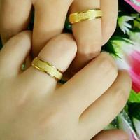 Cincin Couple Emas Pasir Gold Titanium Ukir Nama Grafir / Ring Import