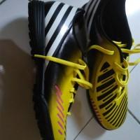 sepatu futsal adidas predito lz trx tf 41 1/3