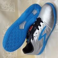 sepatu futsal specs apache warna silver ORI