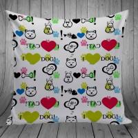 Bantal Dekorasi Sofa / Mobil - Love Cat And Dog