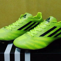 Sepatu Bola Soccer Adidas Adizero F50 99 Gram Volt