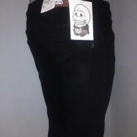 Celana Jeans Cheap monday skinny/pensil pria , hitam pekat