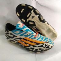 sepatu bola adidas predator f50 hitam putih