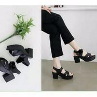 SALE Sepatu Wanita / Heel Heels Docmart / Boot Morymony Silang Hitam
