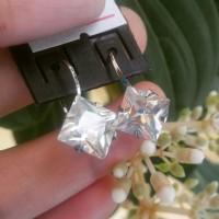 anting monel titanium desy diamond zircon kotak 9mm
