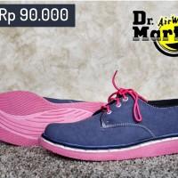 Sepatu Wanita Dr Martens / Docmart Navy Pink