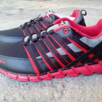 Sepatu Running SPOTEC STORM
