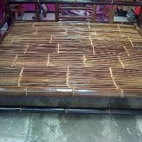 bambu hitam bale alas saung