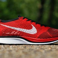sepatu sport casual running pria nike flyknite racer red black 0.2