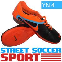 Sepatu Futsal Nike CTR 360 ACC Orange Hitam YN 4