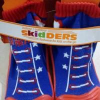 kaos kaki+sepatu skidder bayi untuk usia 1 tahunan