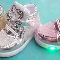 Sepatu lampu nyala HELLO KITTY anak bayi baby LIGHT SHOES BOOT BOT A88