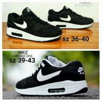 sepatu olahraga nike airmax pria wanita hitam putih sneakers sekolah