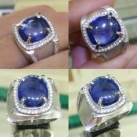 Cincin Emas Putih Kombinasi Berlian Eropa Dan Batu Blue Safir