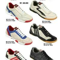 Sepatu Futsal Bahan Kulit ZEINTIN Hal.105