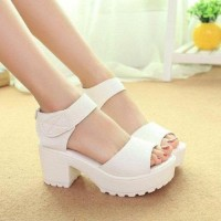 Sepatu Heel Heels Boot Docmart Morymony Putih