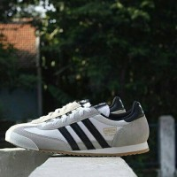 Adidas Dragon White strip Black