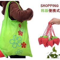 Tas Belanja Serbaguna Lipat Strawberry Baggu Bag Bisa Jadi Besar