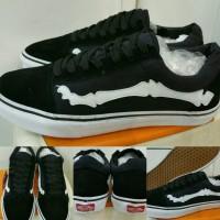 Sepatu Skate Vans Oldskool Bones List Black White