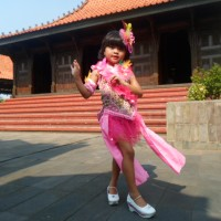 Baju dan Kostum Fashion Show Batik Kreatif Anak