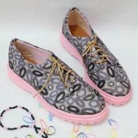 Kode RSCC03   Sepatu Flat Shoes Kain Kanvas Motif Docmart Wanita